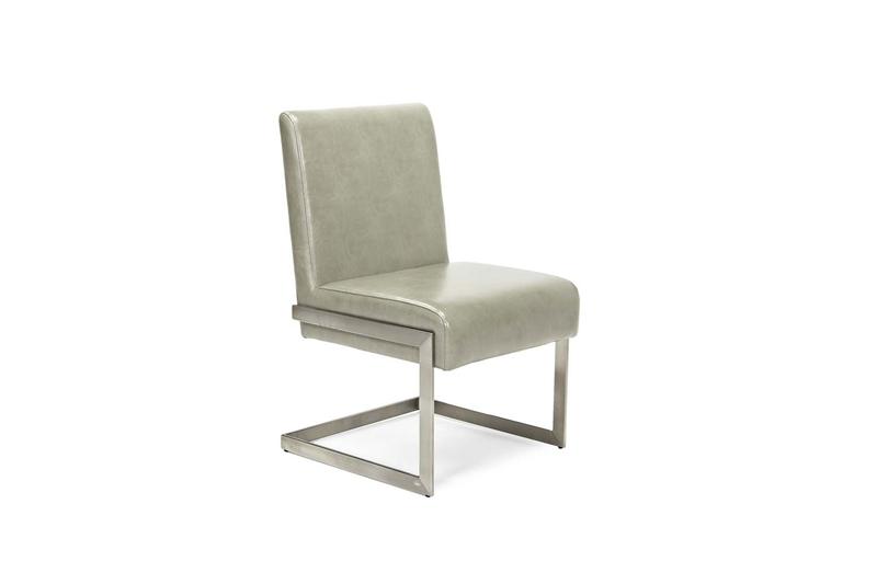 366736946_chair_a.jpg