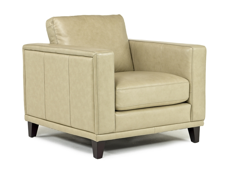 Peoria_Chair_in_Sand_Leather_Angled.jpg